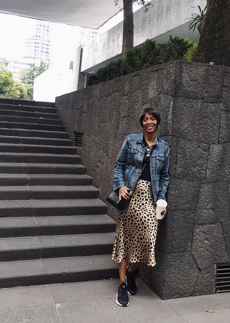 jadore couture mexico city relisation par silk leopard skirt madewell denim jacket