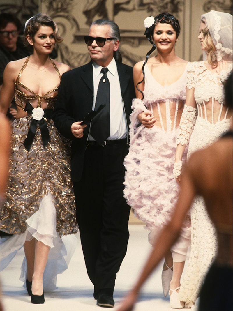 chanel haute couture helena christensen cindy crawford 1993